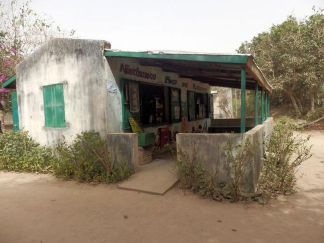 Verkaufsladen im Abuko Nationalpark