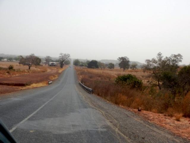 Straße durch die Einöde