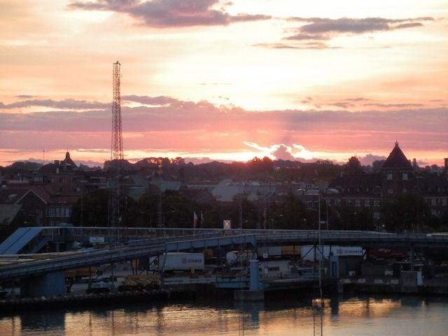 Sonnenaufgang im Hafen vonTrelleborg