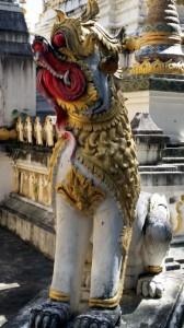 Statue im Wat Ching Mongkol