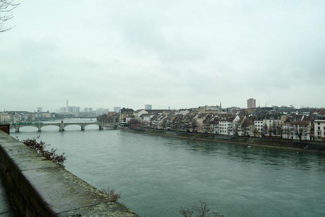 Basel Spaziergang am Rhein 04