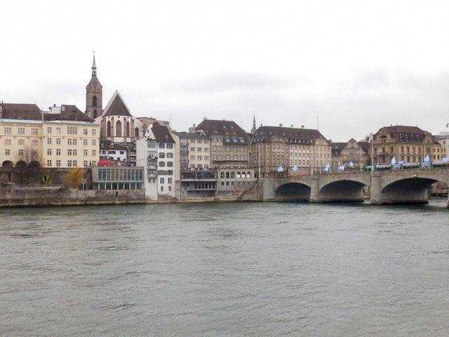 Basel Spaziergang am Rhein 08