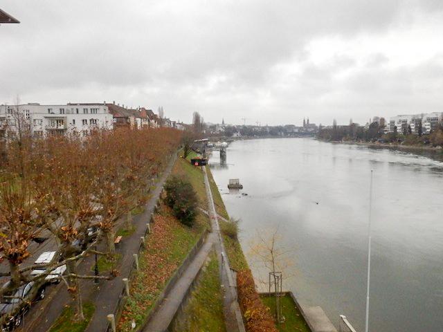 Basel Spaziergang am Rhein 14