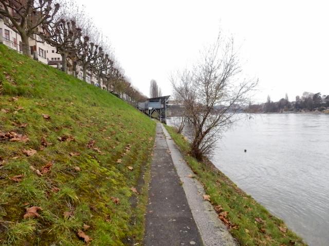 Basel Spaziergang am Rhein 15