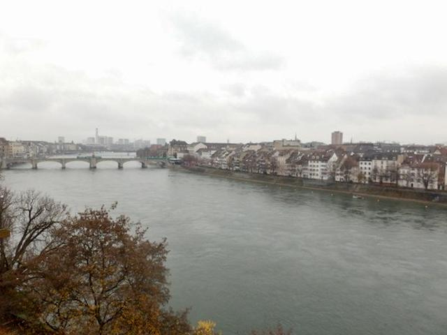 Basel Spaziergang am Rhein 17