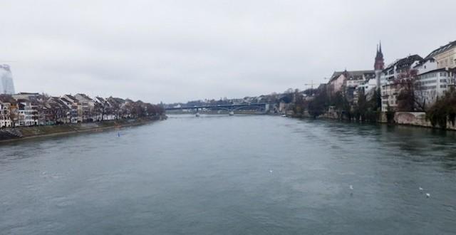 Basel-Spaziergang-am-Rhein-18