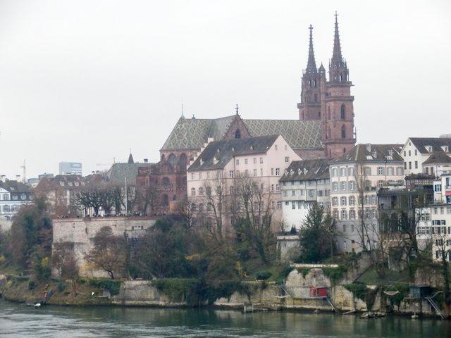 Basel Spaziergang am Rhein 23