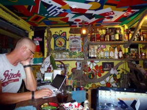 Bibo schreibt Reisebericht in Chiang Rai