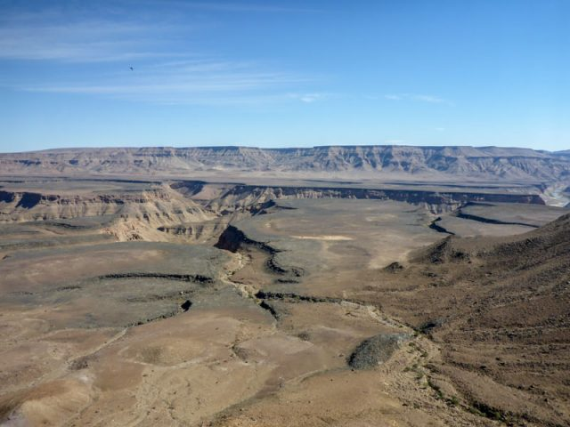Fish-River-Canyon-Viewpoint-3-02