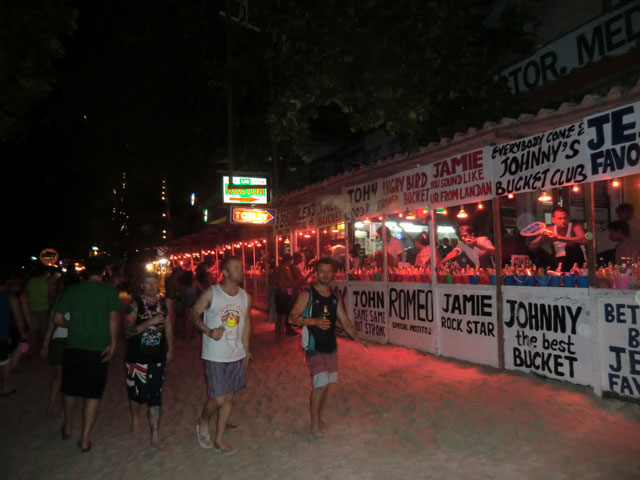 Fullmoon-Party-Koh-Phangan-03