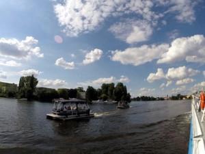 Floß am Teltowkanal