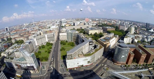 Aussicht vom Kollhoff Tower über Berlin