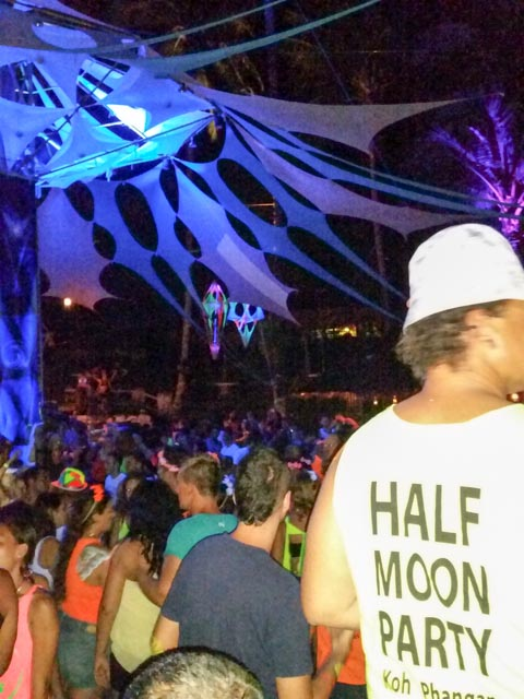 Halfmoon-Party-Koh-Phangan-12