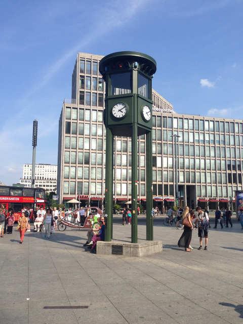 Erste Verkehrsampel Europas am Potsdamer Platz in Berlin