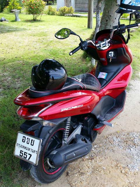Koh-Phangan-Motorbike-01