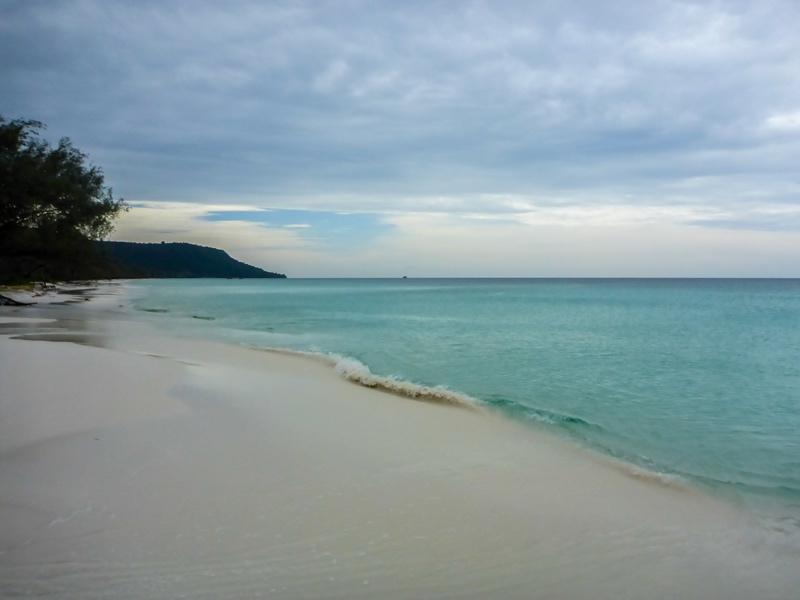 Koh-Rong-Sok-San-Beach-02