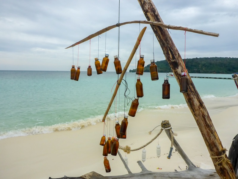 Koh-Rong-muell-01