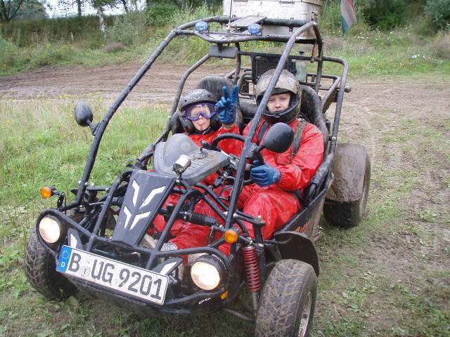 Patty & Tobi mit Buggy