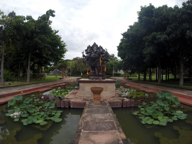 Royal-Park-Rajapruek-12