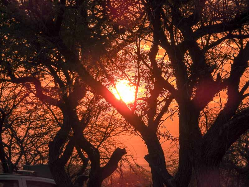 Sonnenaufgang-Namutoni-Etosha-02