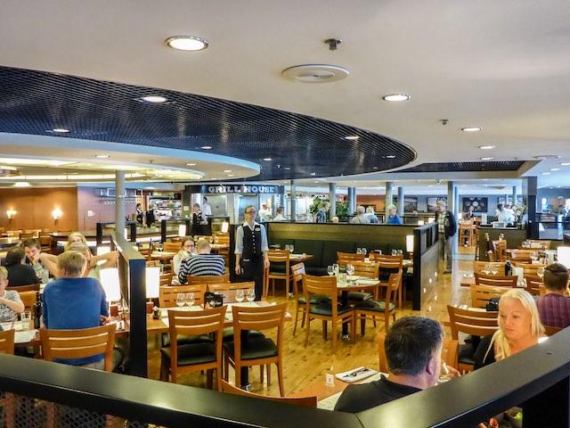 Tallink-Silja-Romantika-Piazza-a-la-Card