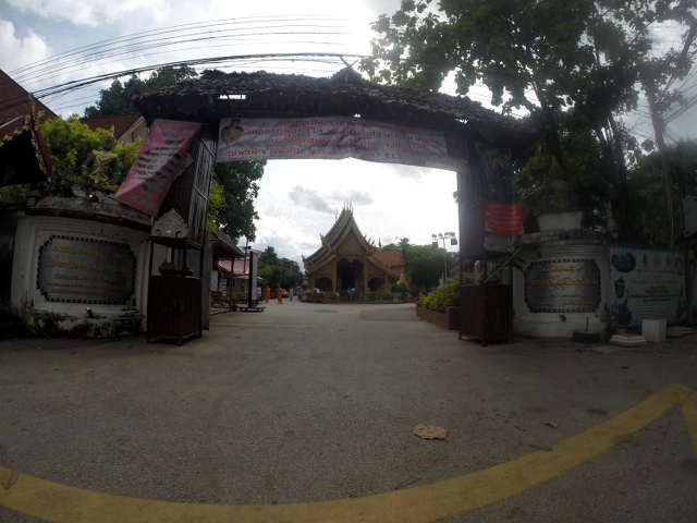 Wat-Sri-Suphan-Silver-Temple-1