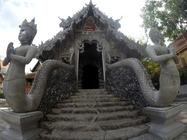 Wat-Sri-Suphan-Silver-Temple-10