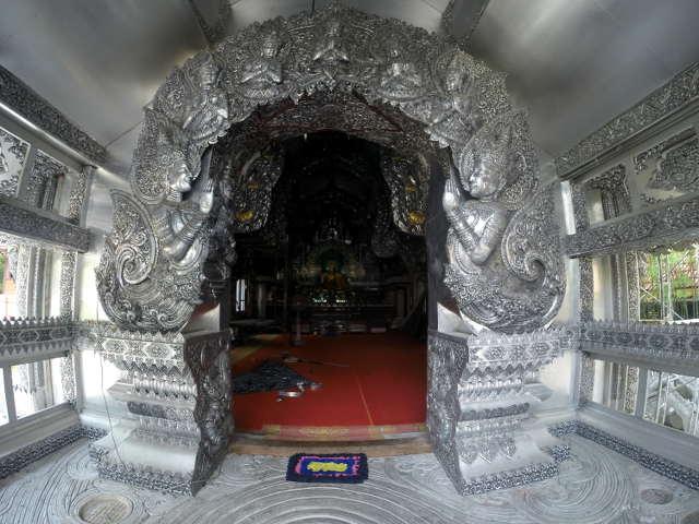 Wat-Sri-Suphan-Silver-Temple-11