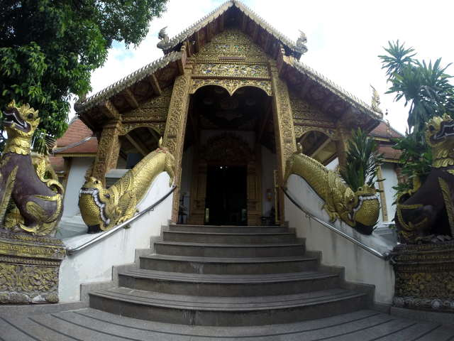 Wat-Sri-Suphan-Silver-Temple-3