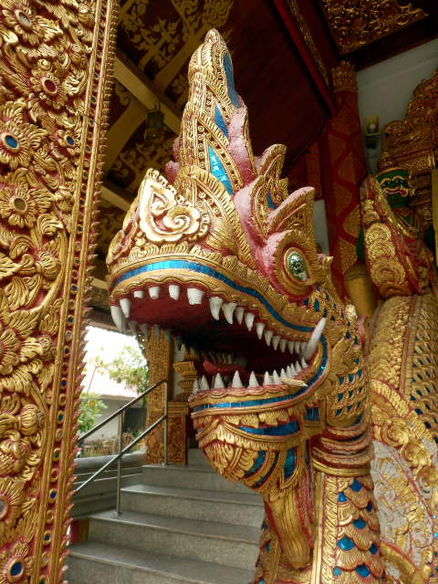 Wat-Sri-Suphan-Silver-Temple-6