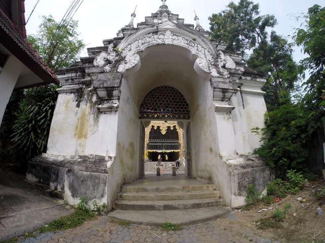 Wat-Suan-Dok-Chiang-Mai-1