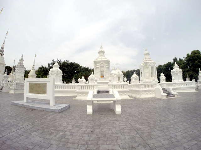 Wat-Suan-Dok-Chiang-Mai-10
