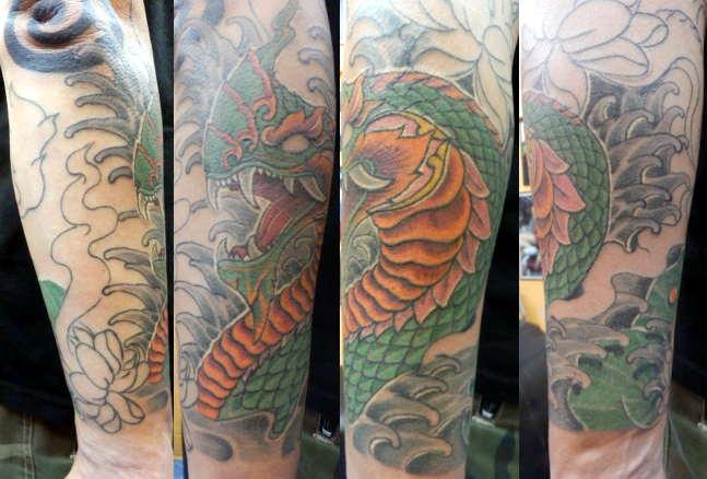 tattoo arm komplett good tattoo am oberarm u ideen fr. Black Bedroom Furniture Sets. Home Design Ideas