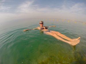 Tanja baden im Toten Meer