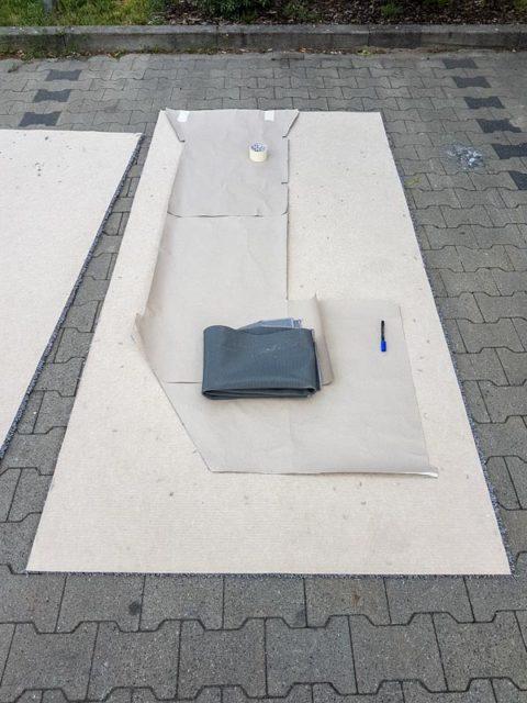 Teppich verlegen im Auszeitenbus